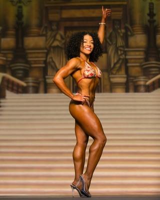 bikini-competitor-afrogirlfitness.jpg